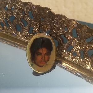 Vintage 1980s Michael Jackson push button pin